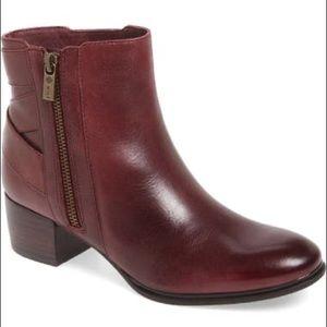 Isolá Delta leather bootie size 10 burgundy color